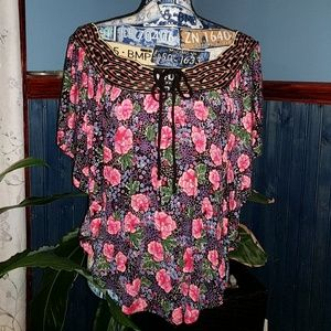 {Anthropology} Rio Rao floral top SZ small ♥️
